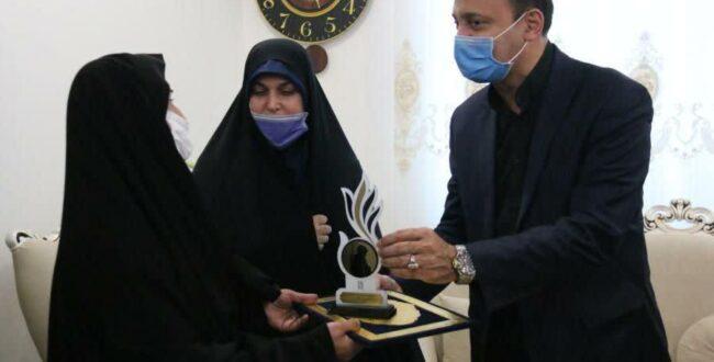 دیدار شهردار رشت با همسر شهید غلامرضا اکبری آتش نشان وفادار شهر باران