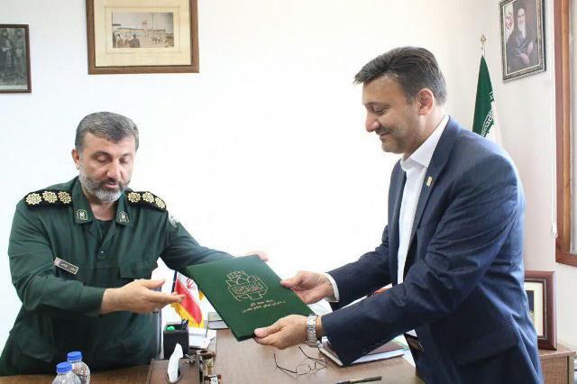 گزارش تصویری دیدار شهردار رشت با سرهنگ بایرامی مدیرکل حفظ آثار و نشر ارزشهای دفاع مقدس