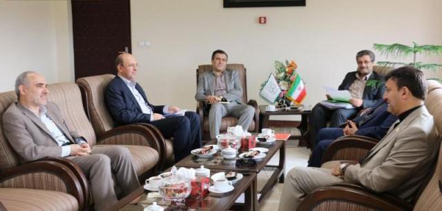 شهردار رشت در دیدار با رئیس دانشگاه گیلان: از ظرفیت دانشگاهیان برای توسعه شهر استفاده می شود