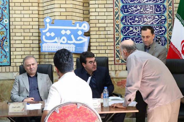 گزارش تصویری برگزاری میز خدمت شهرداری رشت با محوریت شهرداری منطقه یک