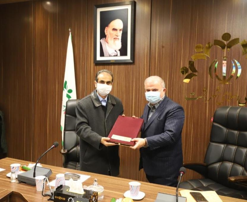 شهردار رشت بودجه پیشنهادی سال ۱۴۰۰ شهرداری را تقدیم شورا کرد